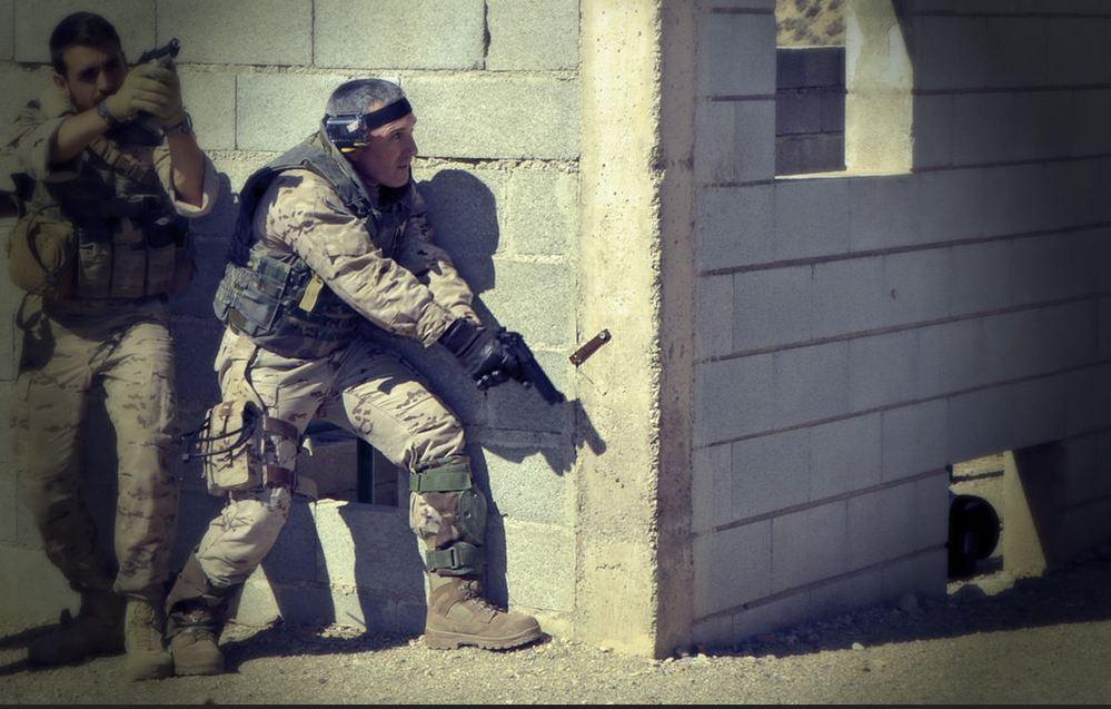 binomio-legion-combate-cqb
