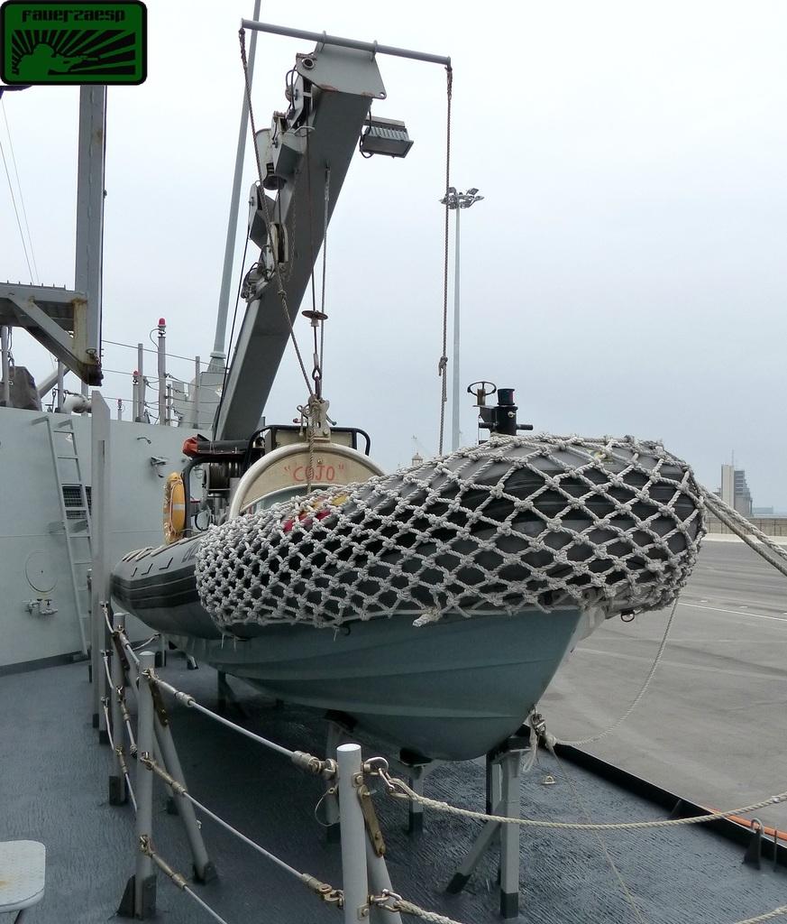 embarcacion neumatica militar