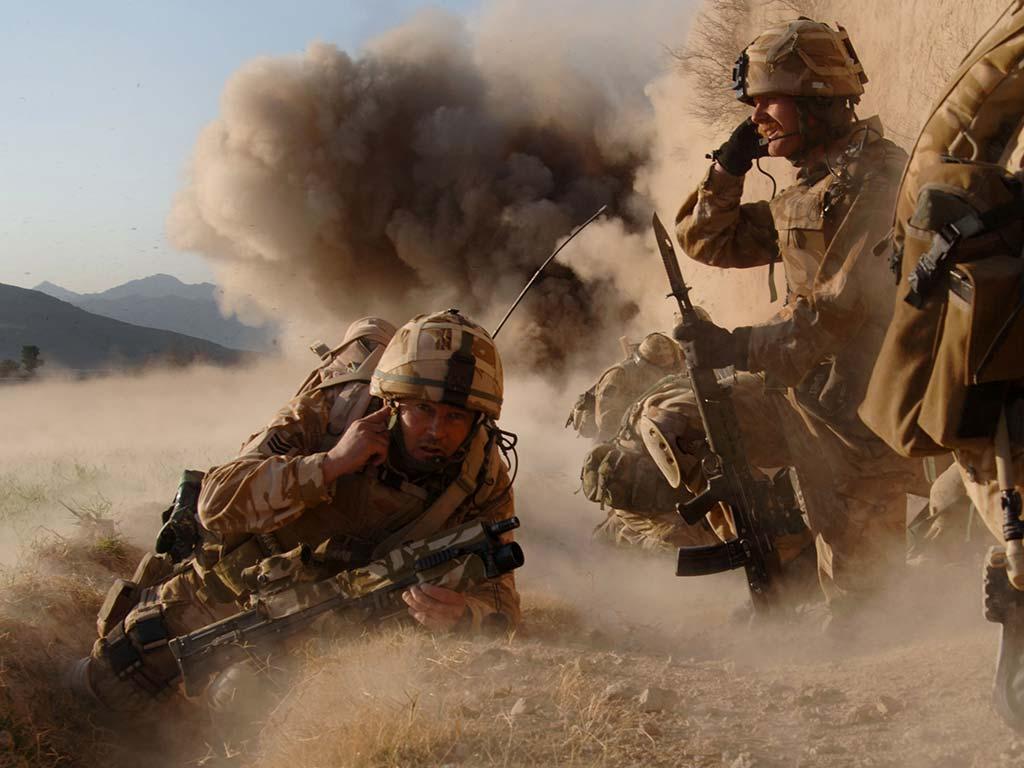 Soldados británicos en combate