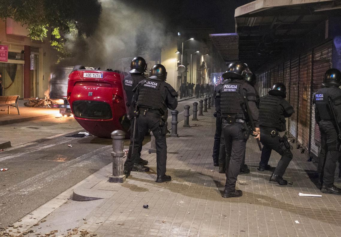 distubios_barcelona_policia